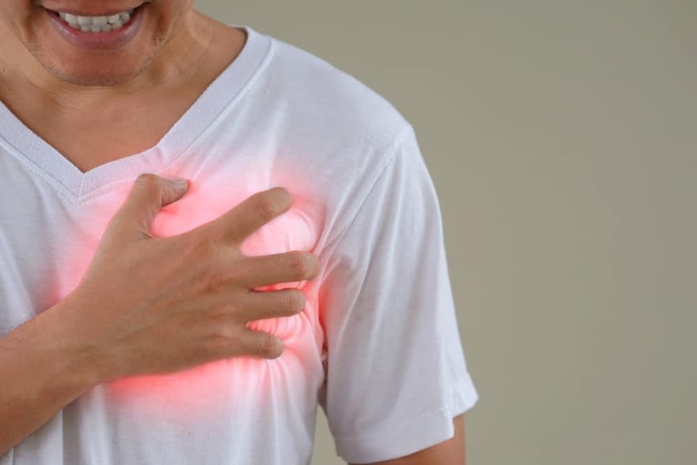 sakit dada sebelah kiri