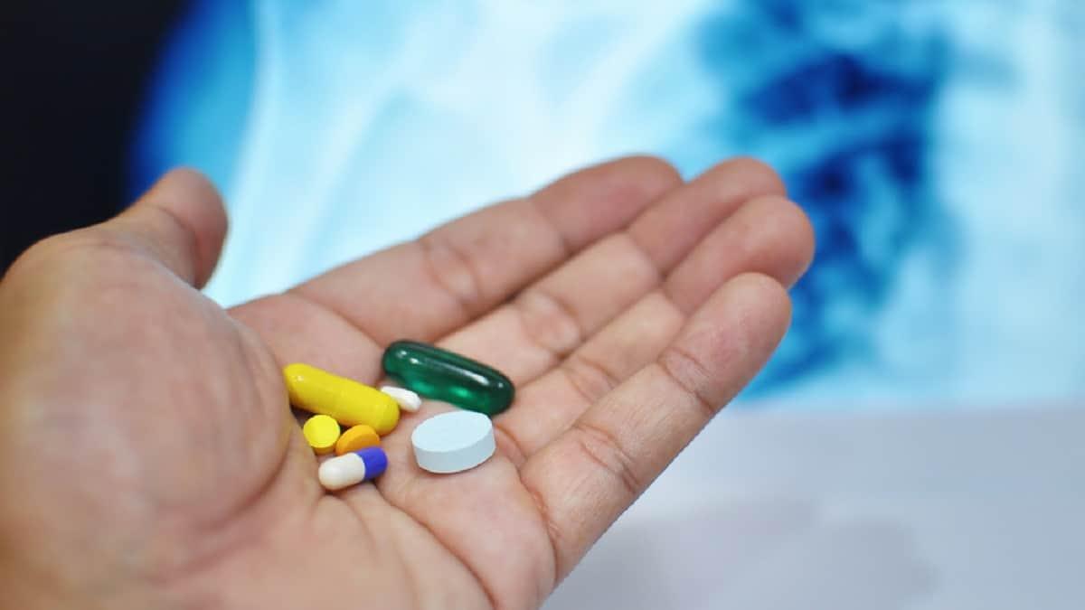 Jerawat Lebih Baik Minum Obat Bukan Obat Topikal